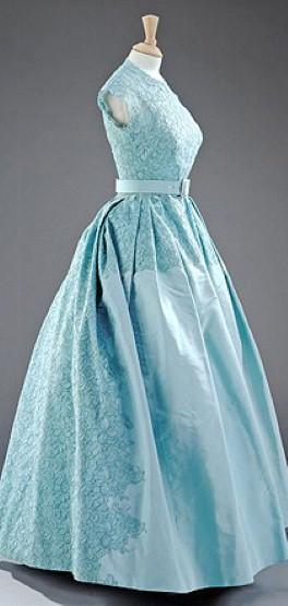 Sir norman hartnell june 12 1901 june 8 1979 elisa for Wedding dresses norman ok