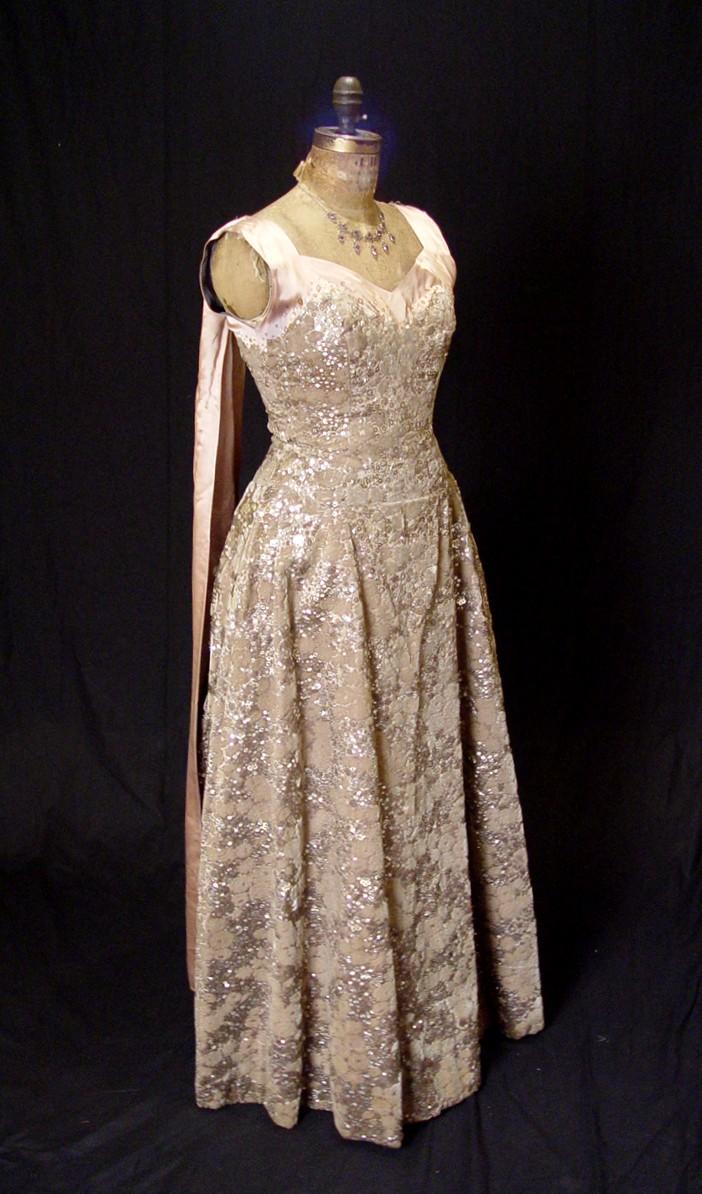 Sir norman hartnell june 12 1901 june 8 1979 norman for Wedding dresses norman ok